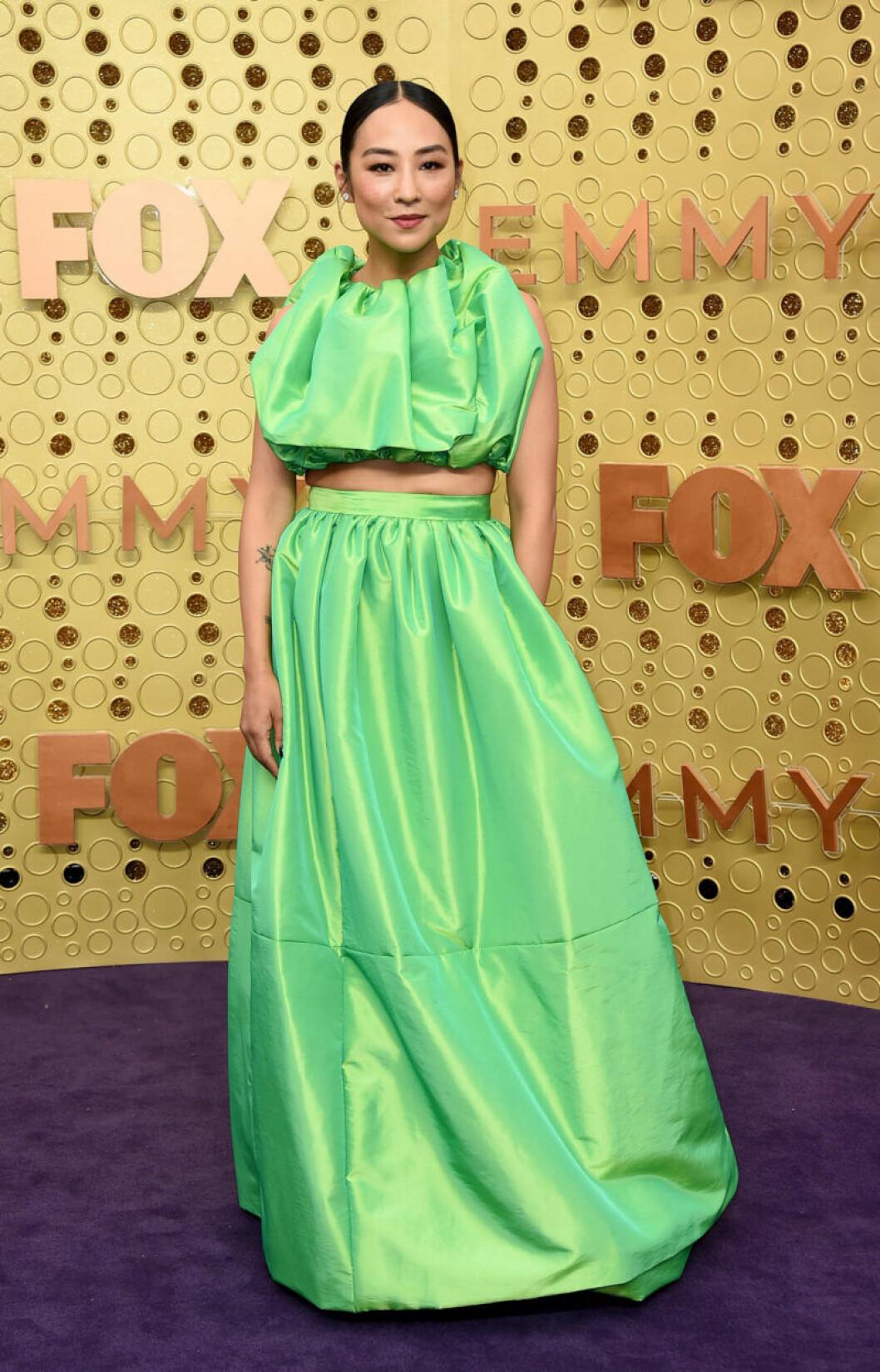 Greta Lee på röda mattan på SEmmy Awards 2019