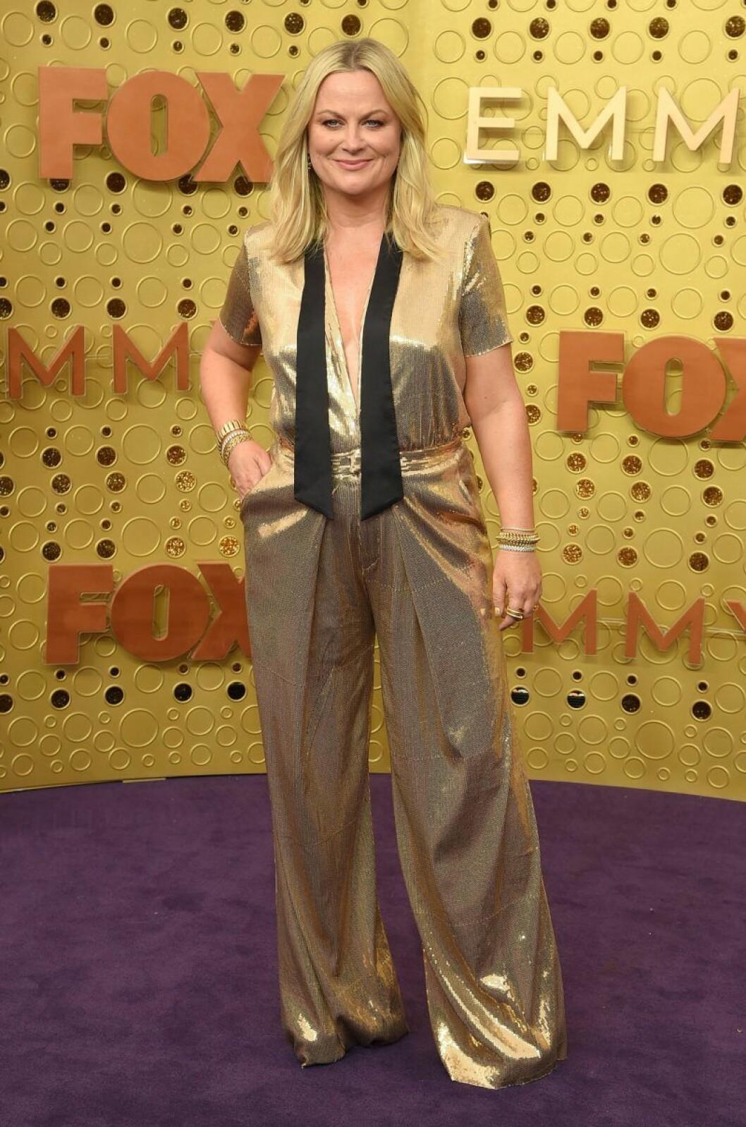 Amy Poehler på röda mattan på Emmy Awards 2019