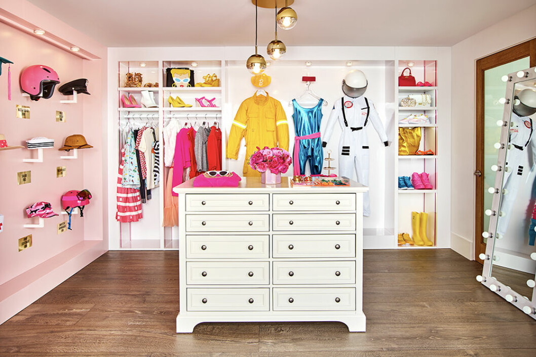Barbies walk-in closet i hennes dreamhouse i Malibu