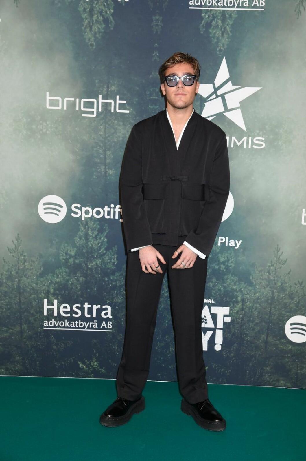 Benjamin Ingrosso på röda mattan på Grammisgalan 2020