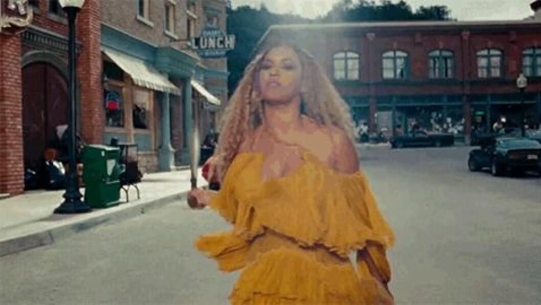 En rörlig bild på artisten Beyoncé från hennes visuella studioalbum Lemonade, som utkom 2016.