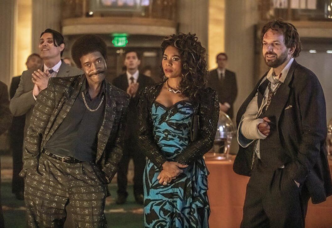 En bild från tv-serien Black Monday, som visas på HBO.