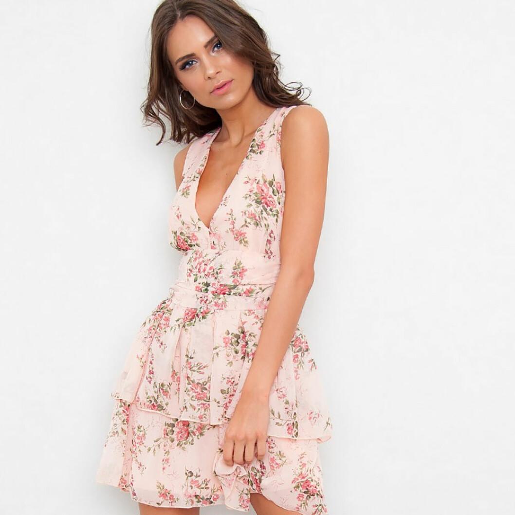 Blommig klänning jfr