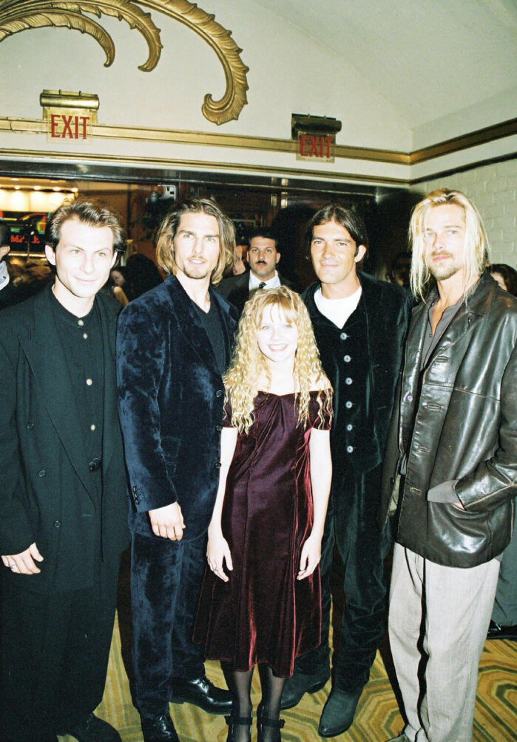 En bild på Christian Slater, Tom Cruise, Antonio Banderas, Brad Pitt och Kirsten Dunst, 1994.
