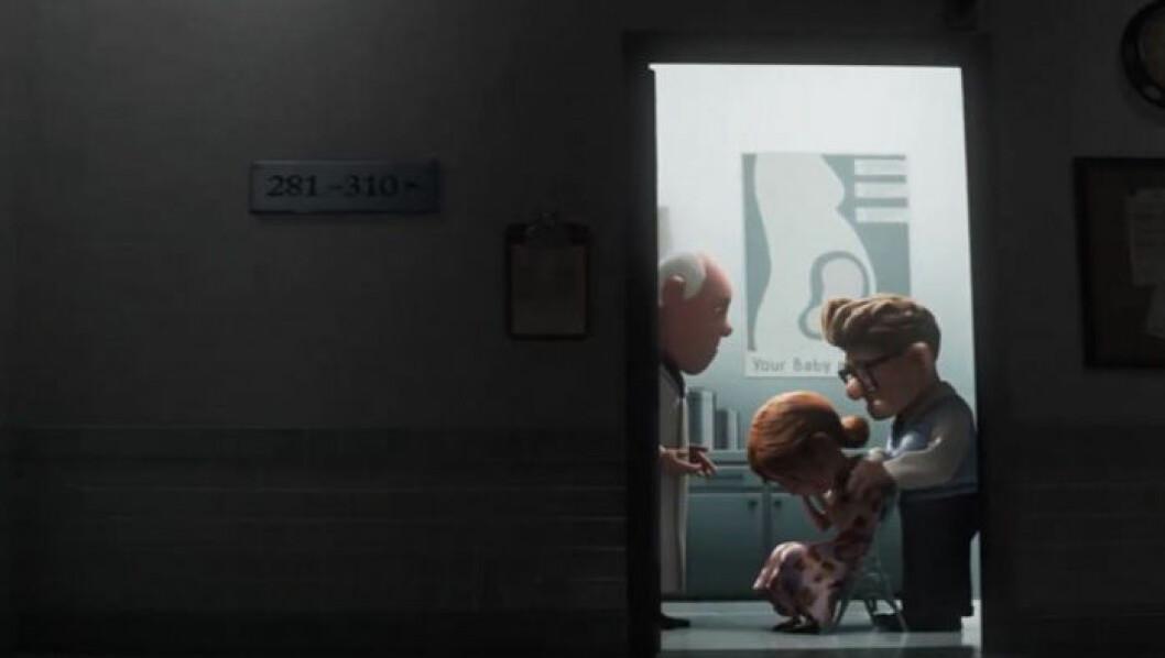 Ellie gråter hos läkaren