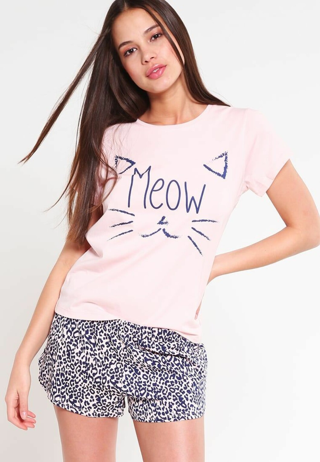 Even-odd-pyjamas-katt