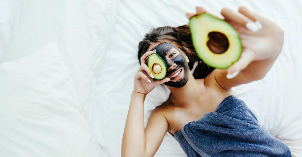 Gör egna ansiktsmasker istället för att köpa.
