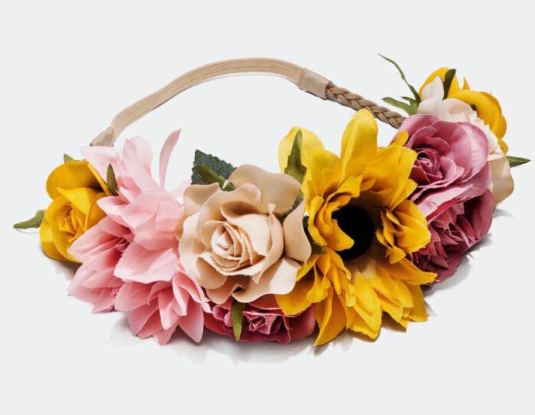Färgglad midsommarkrans med stora blommor att köpa