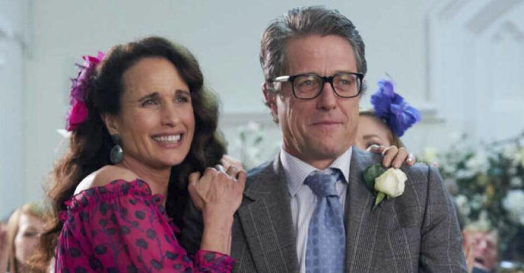 Hugh Grant och Andie MacDowell på Mirandas bröllop