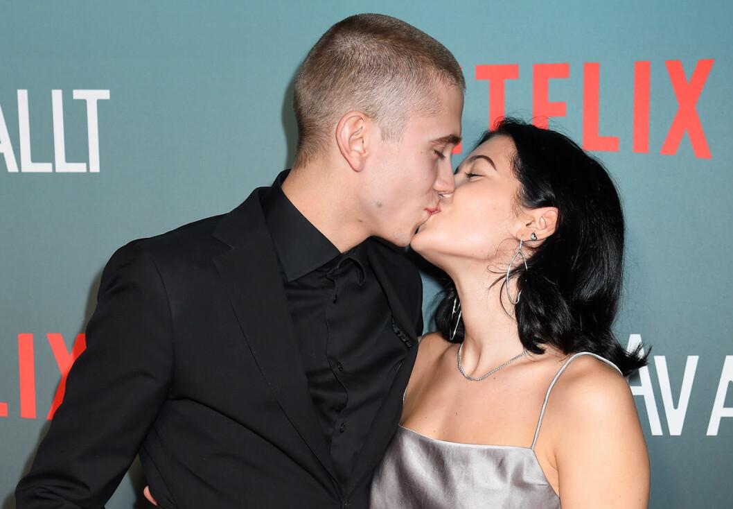 Felix Sandman pussar flickvännen Andrea