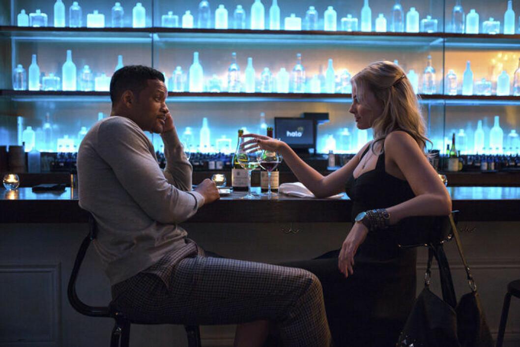 En bild från filmen Focus med Will Smith och Margot Robbie.