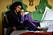 En bild på skådespelerskan Nathalie Emmanuel, som är med i tv-serien Four Weddings and a Funeral på Viaplay.