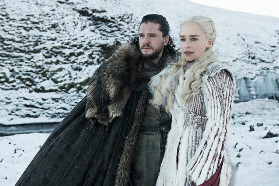 En bild på karaktärerna Jon Snow och Daenerys Targaryen från tv-serien Game of Thrones.