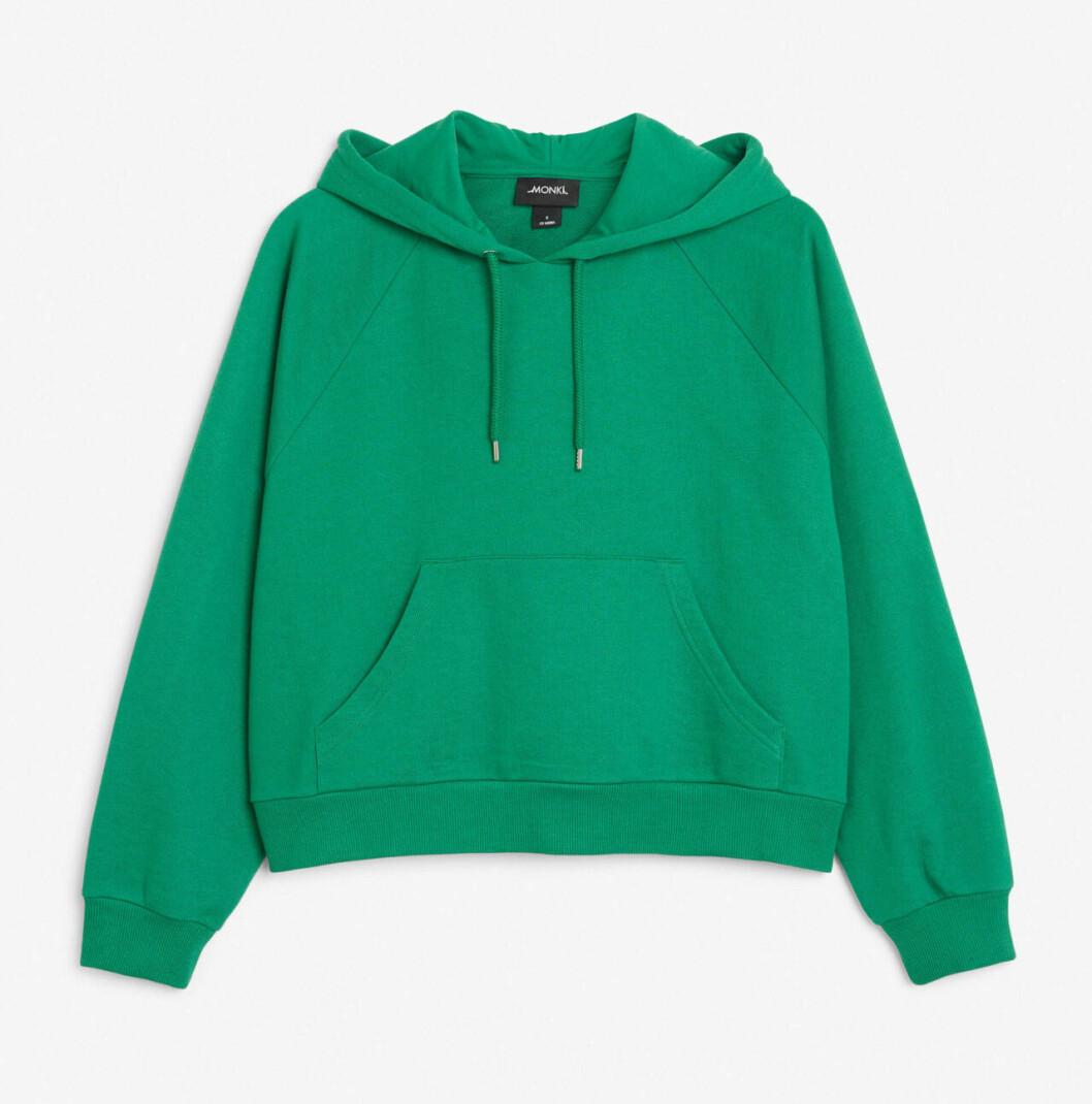 Grön hoodie i croppad modell 2019