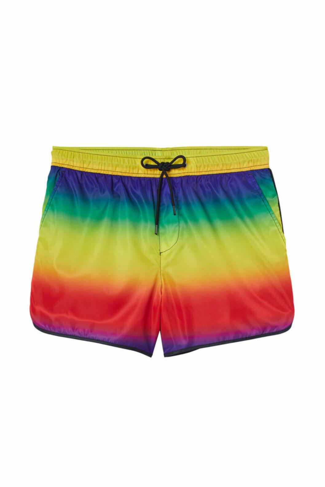 H&M släpper Pridekollektion för 2019 – regnbågsfärgade shorts