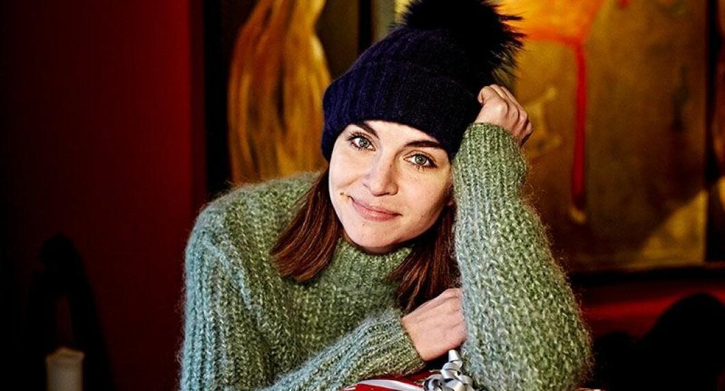 En bild på skådespelerskan Ida Elise Broch, som spelar huvudrollen i den norska Netflix-serien Home for Christmas.