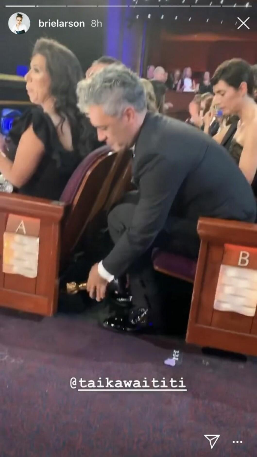 taika waititi gömmer sin Oscarsstatyett under en stol