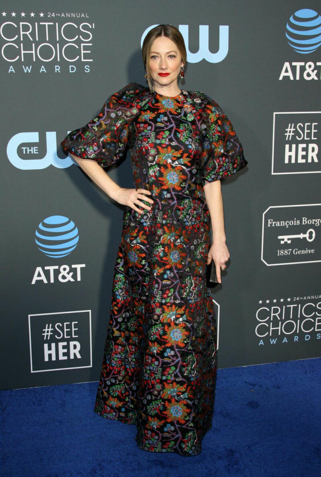 Judy Greer på röda mattan på Critics Choice Awards 2019