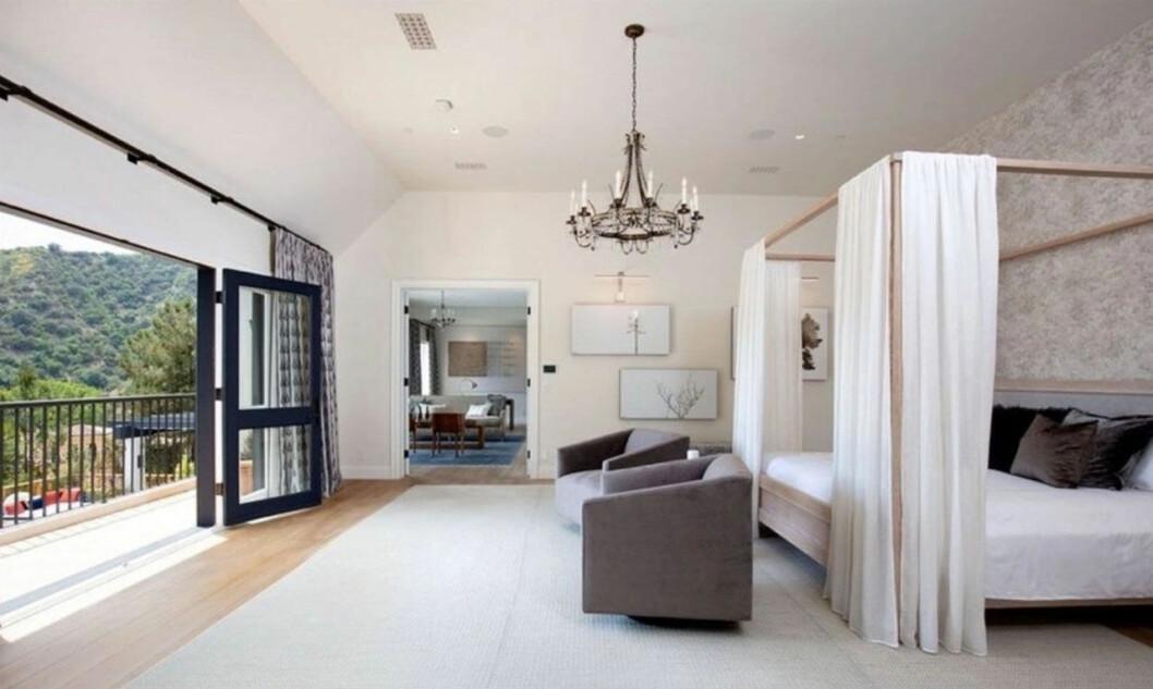Bild på Justin och Hailey Biebers sovrum