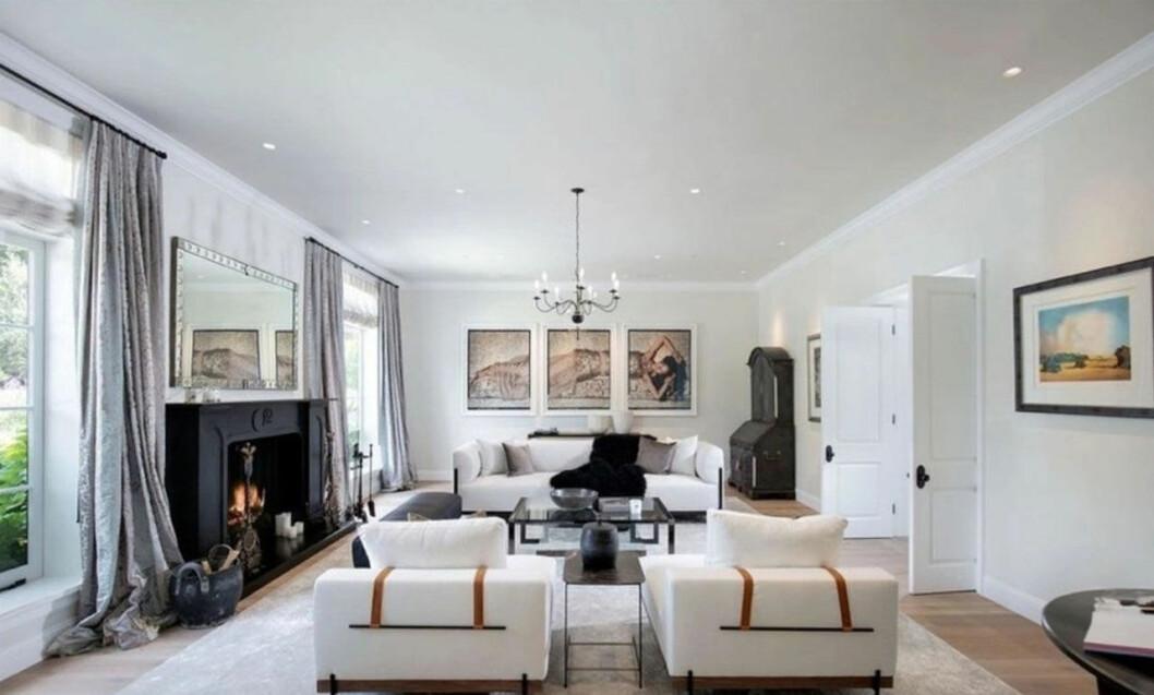 Bild på Justin och Hailey Biebers vardagsrum