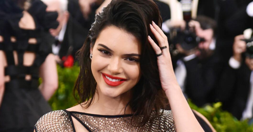 Kendall-Jenner-harknep-harmask