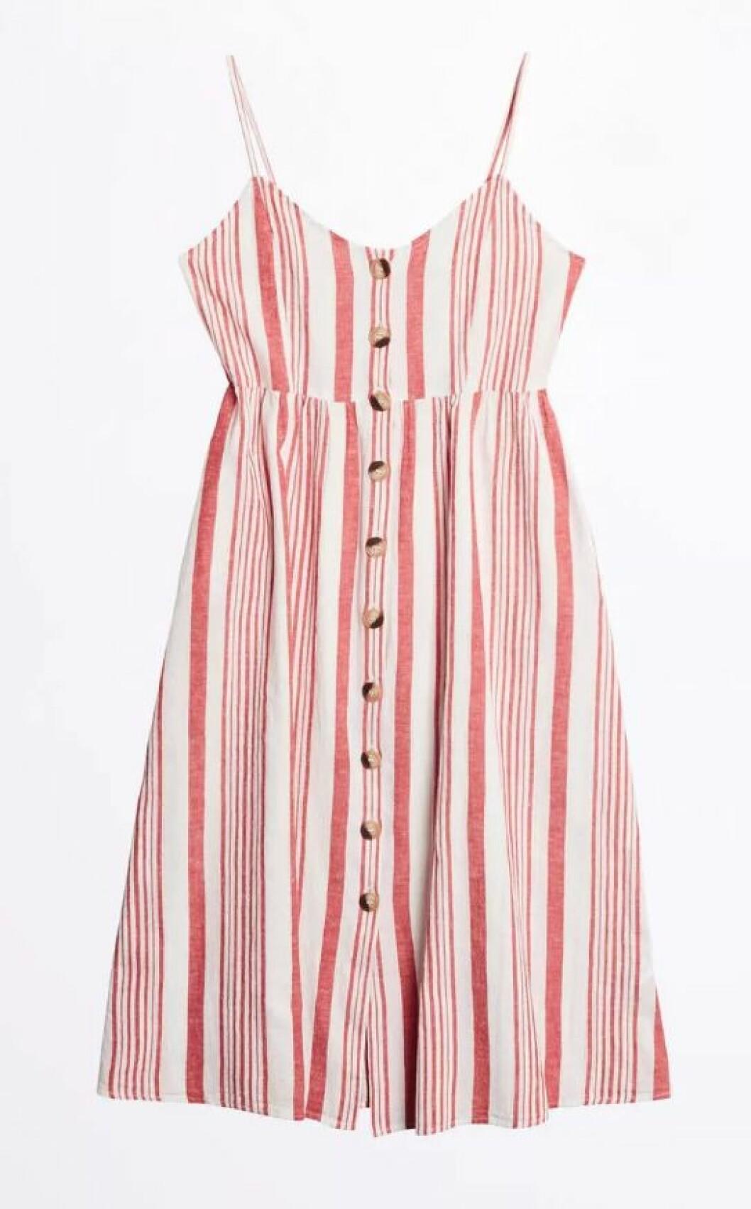 Randig klänning i linne från gina tricot