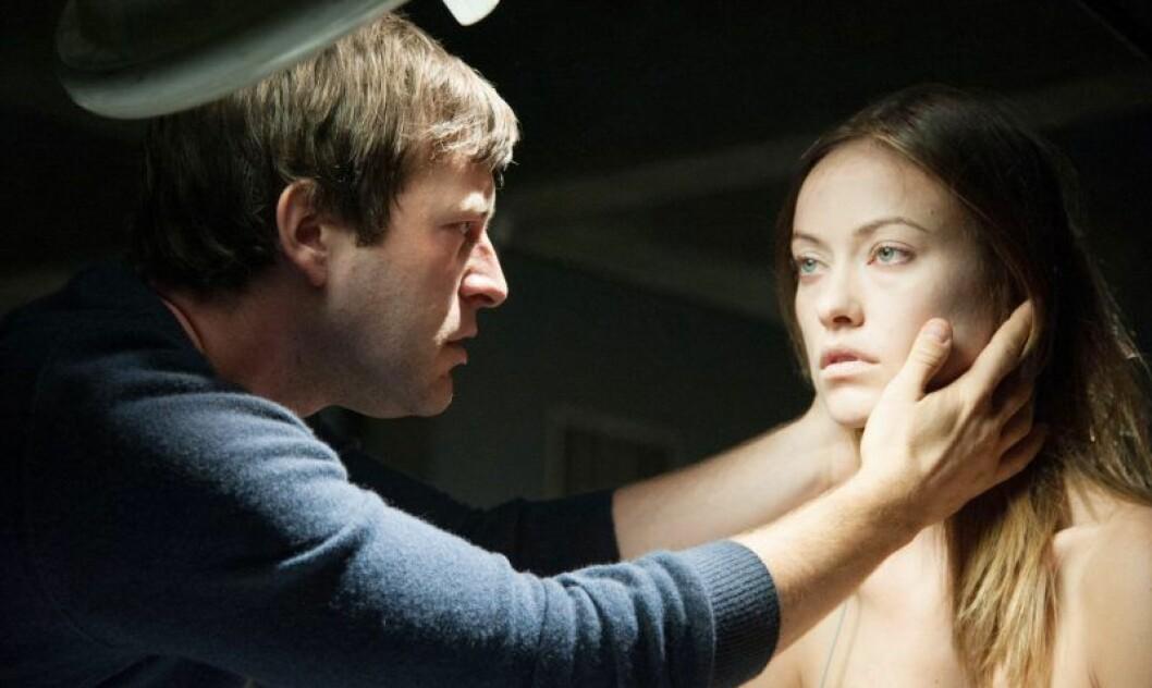 En bild från skräckfilmen The Lazarus Effect med Olivia Wilde som finns på HBO.