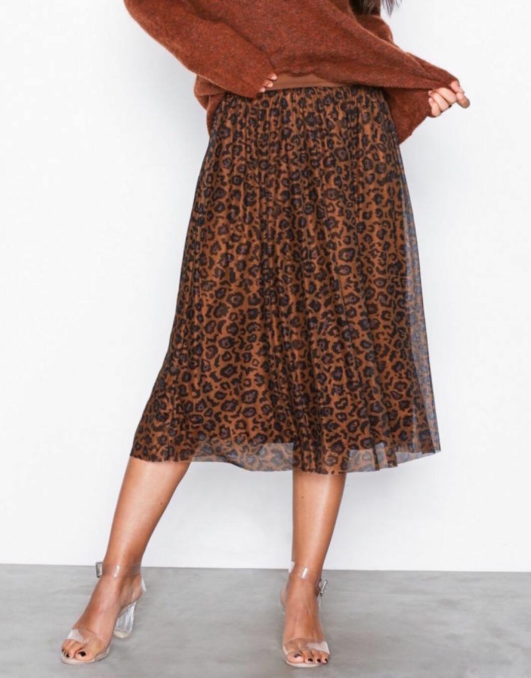 Leopardmönstrad kjol till hösten