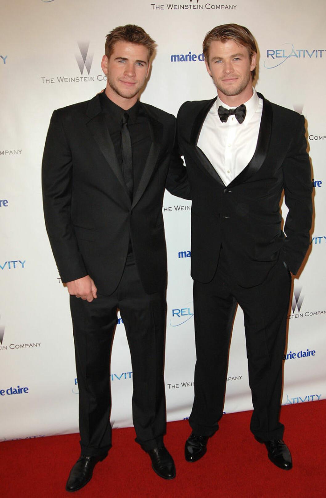 En bild på Liam och Chris Hemsworth på Golden Globe Awards, 2011.