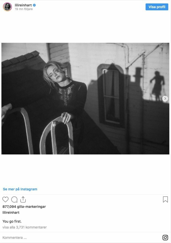 Lili Reinhart svart vit bild