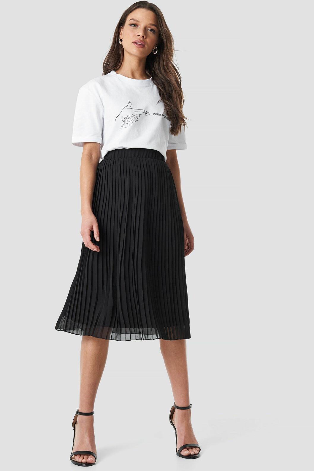 Linn Ahlborg Na-kd plisserad kjol
