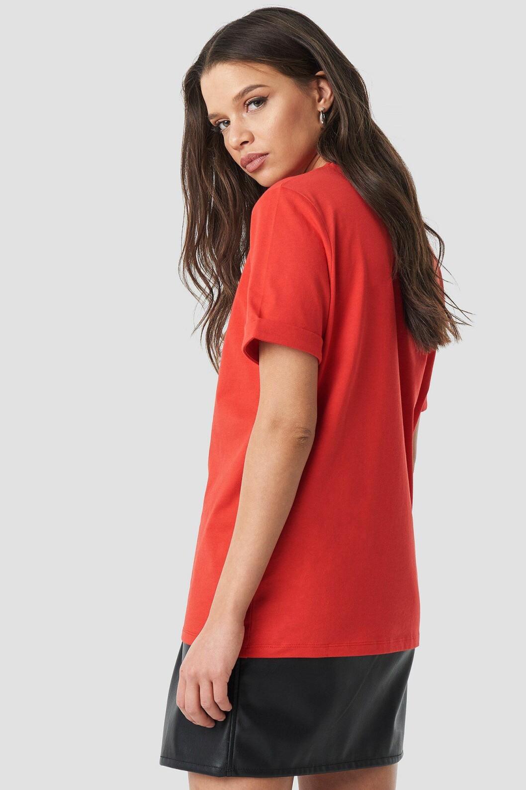 Linn Ahlborg Na-kd röd t-shirt