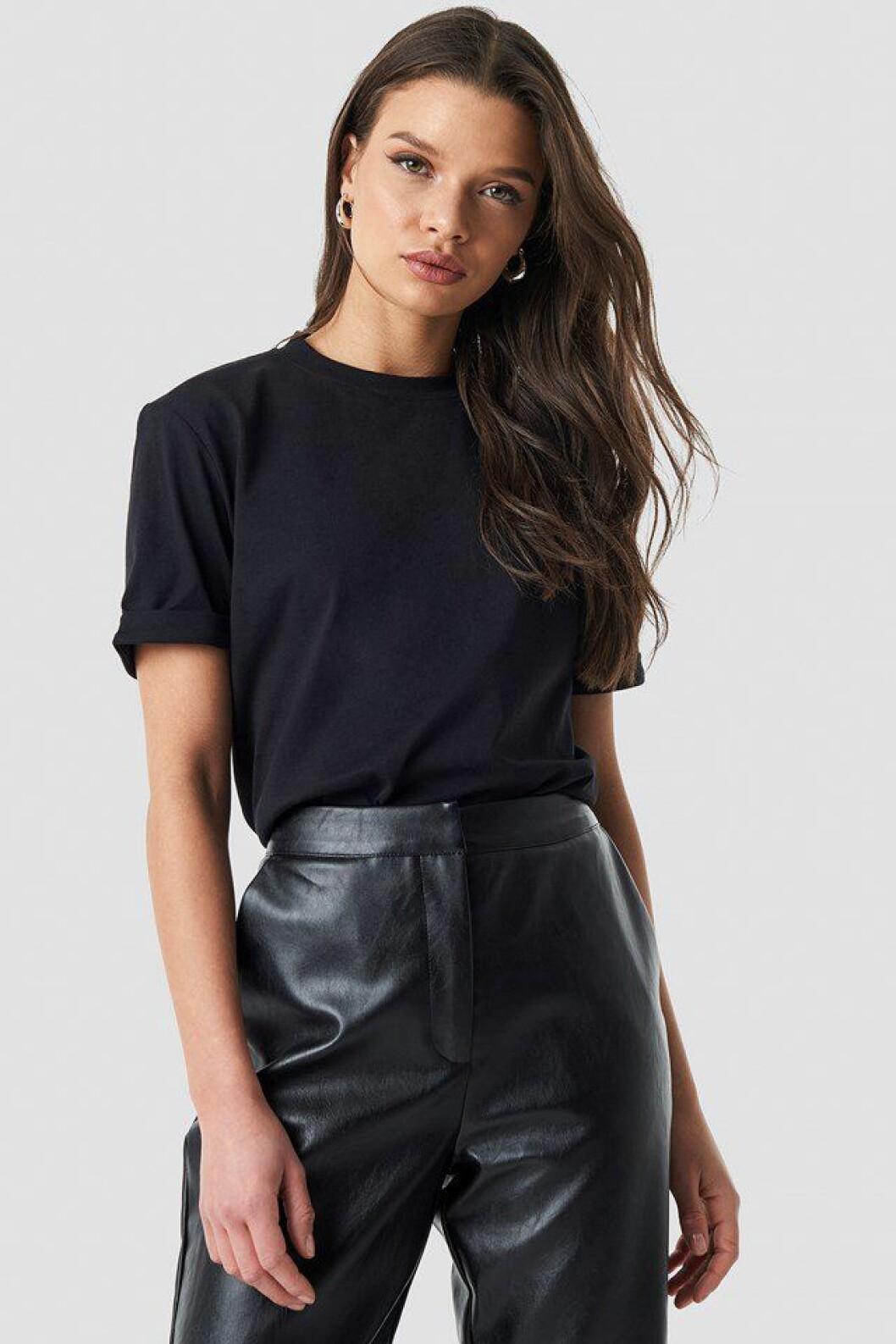 Linn Ahlborg Na-kd svart t-shirt