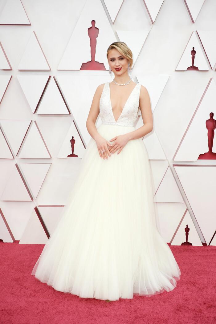 Maria Bakalova på röda mattan på Oscarsgalan 2021