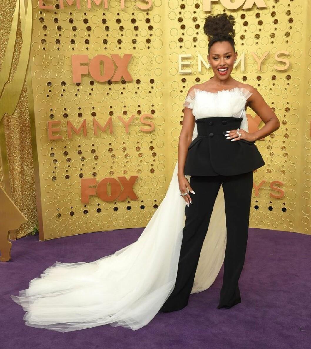 Melanie Liburd på röda mattan på Emmy Awards 2019