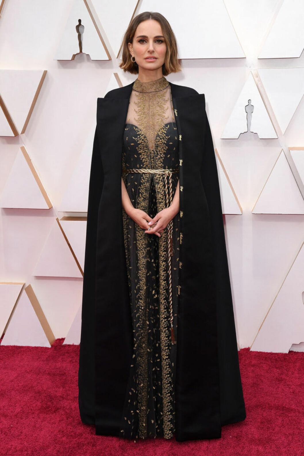 En bild på skådespelerskan Natalie Portman under nattens Oscarsgala 2020.