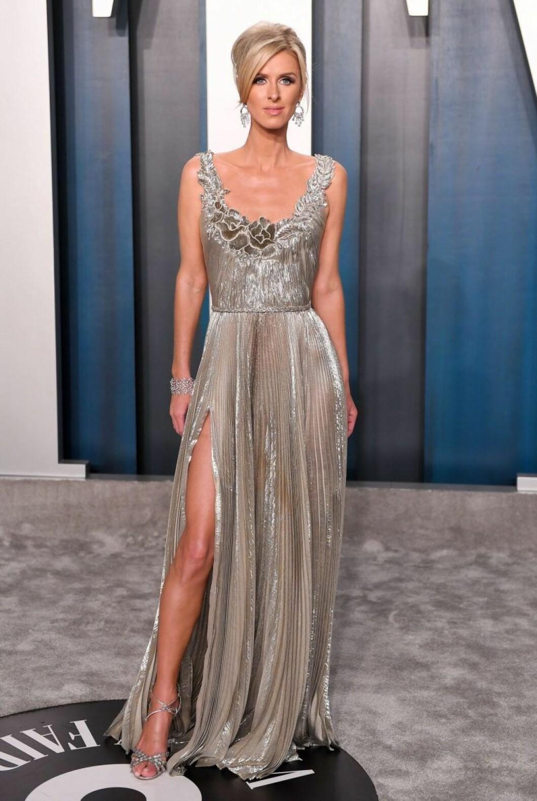Nicky Hilton i klänning