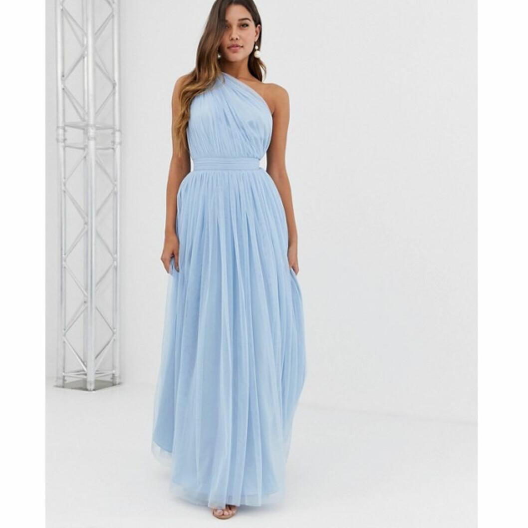 Blå tyllklänning från Asos Design