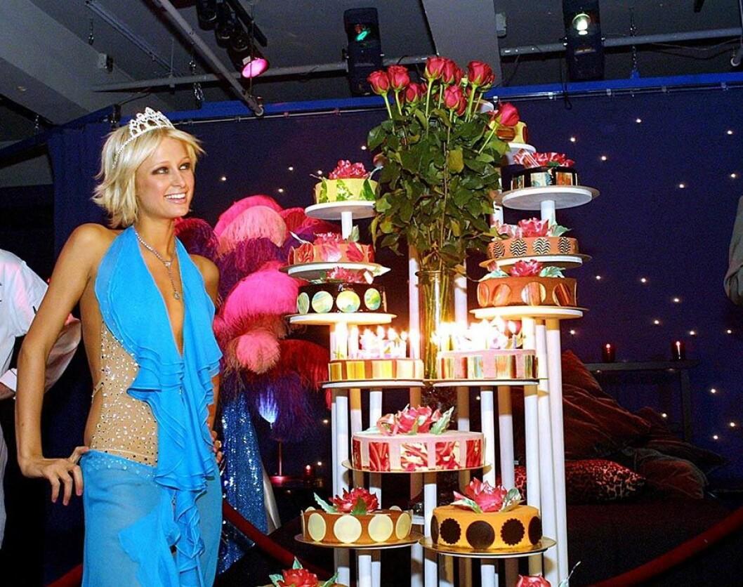 Paris Hilton fyller 21 år