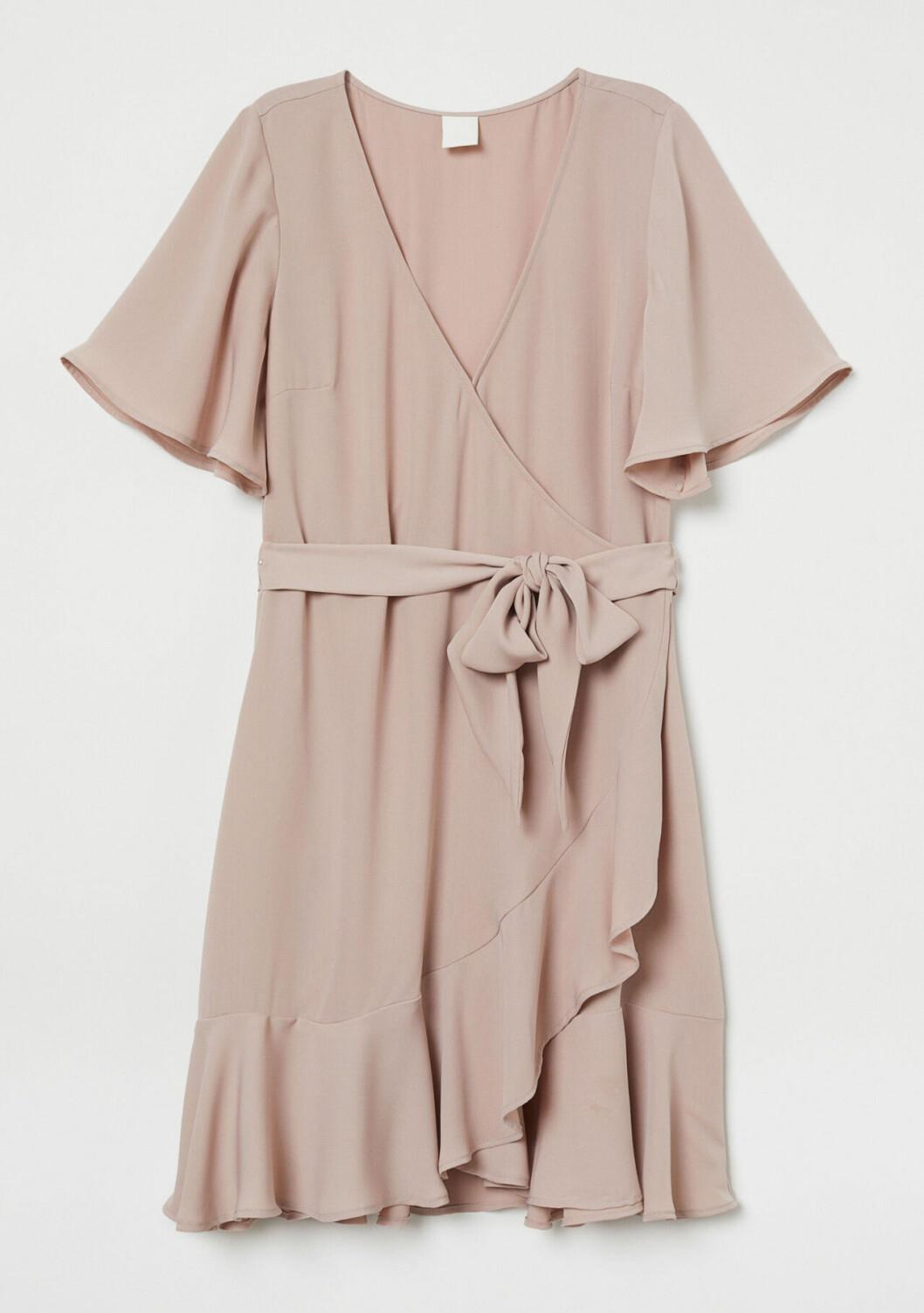 Puderrosa klänning till skolavslutningen 2019