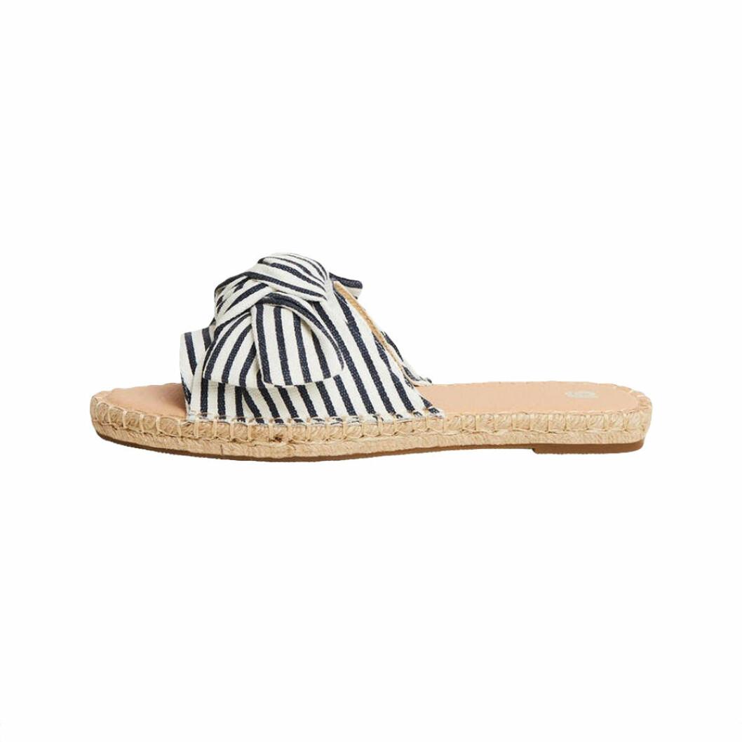 Randiga sandaler