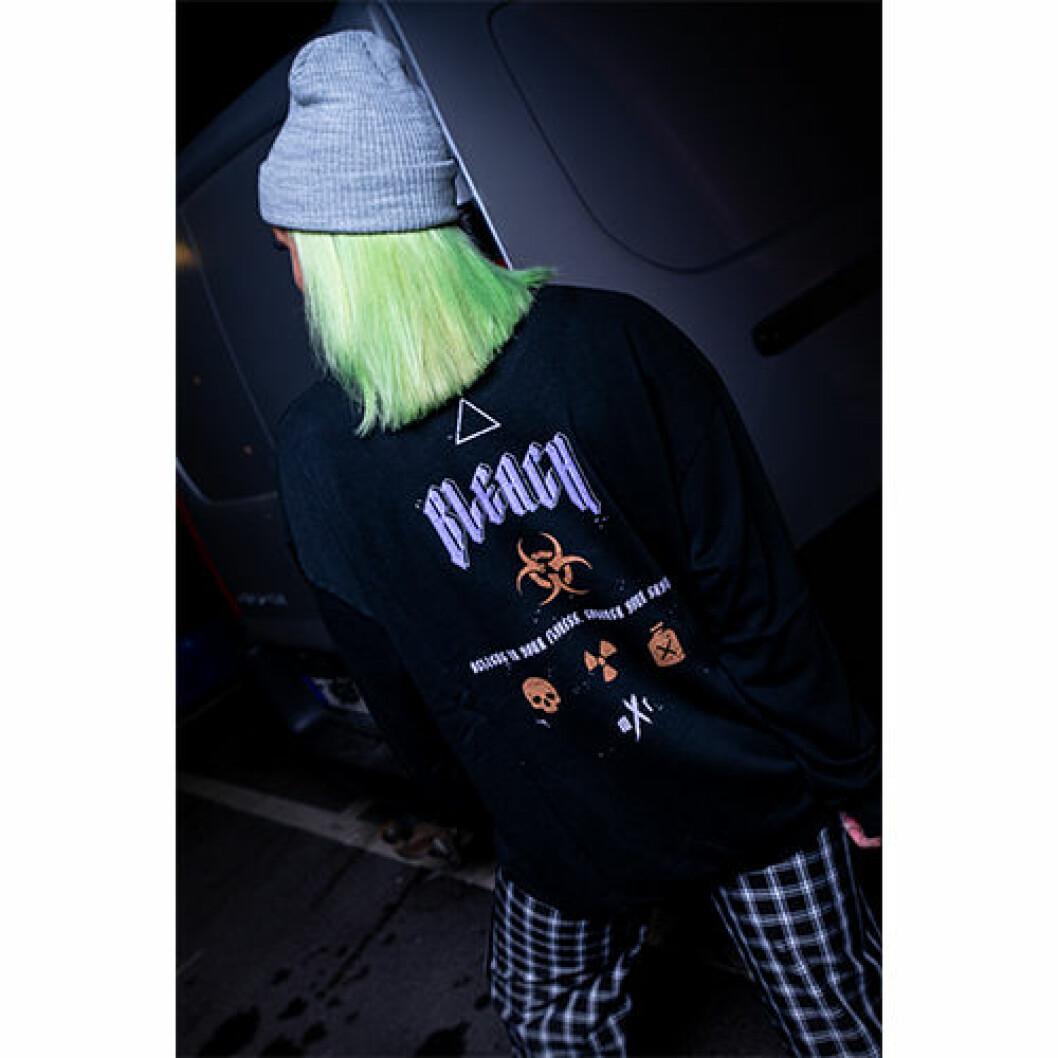 Ribeckas kolektion med Madlady hoodie med texten bleach