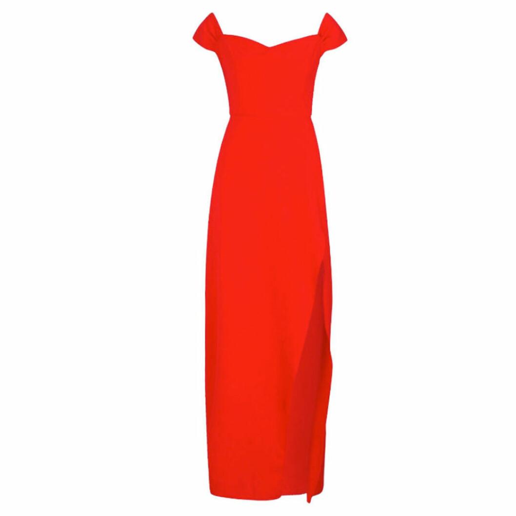 Röd balklänning i off shoulder-modell från boohoo
