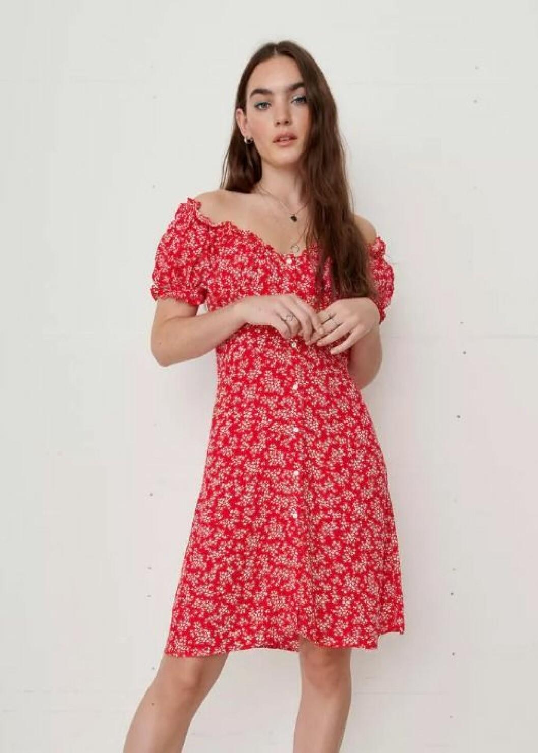 Röd klänning från Gina tricot