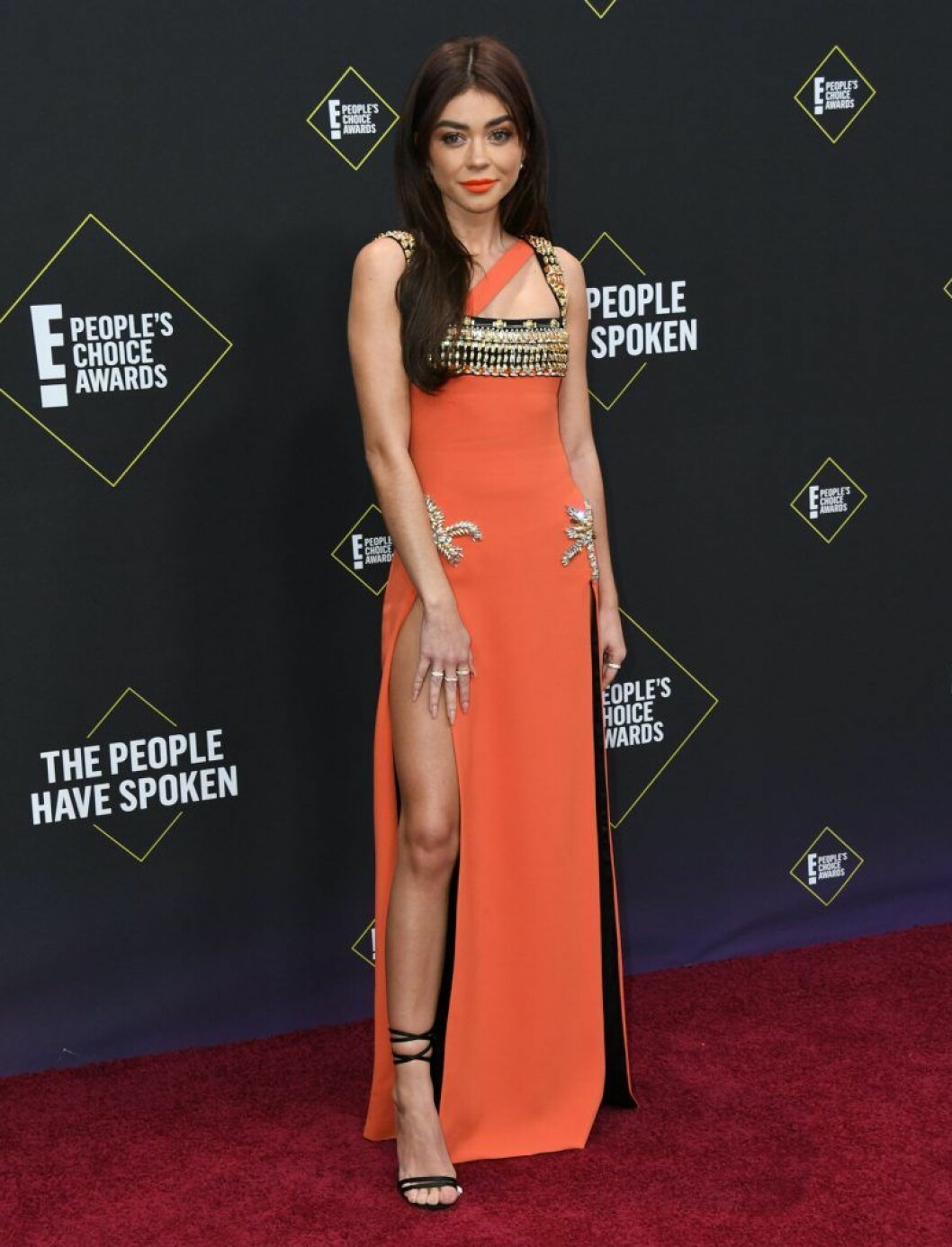 Sarah Hyland på röda mattan på People's Choice Awards 2019