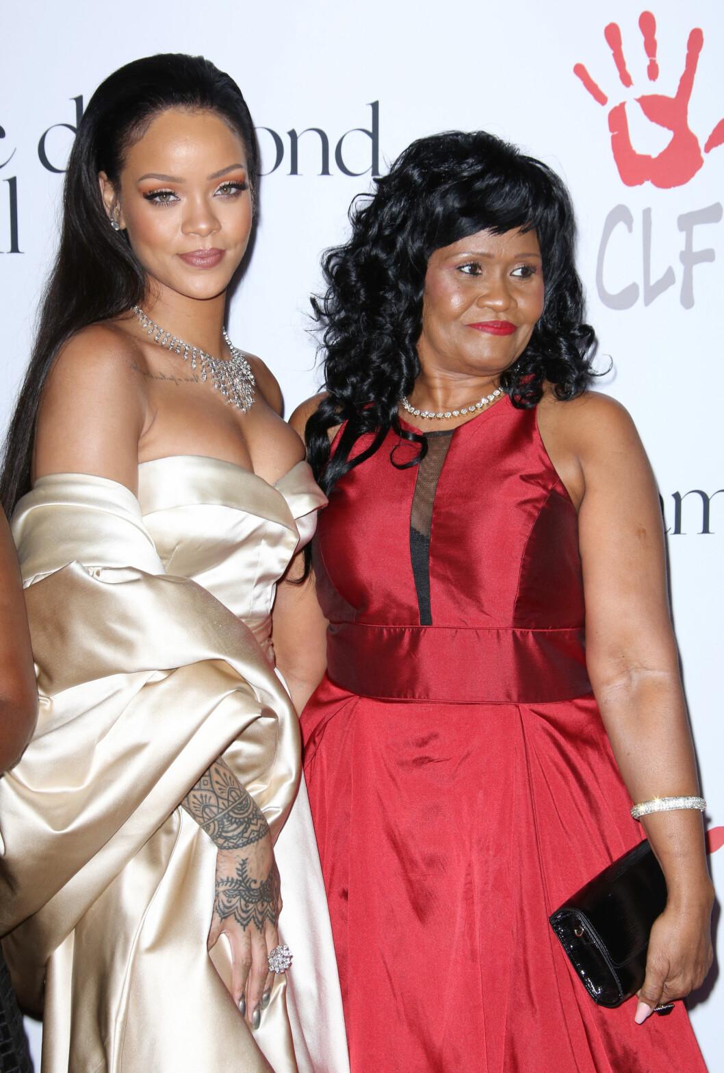 Rihanna och mamma Monica