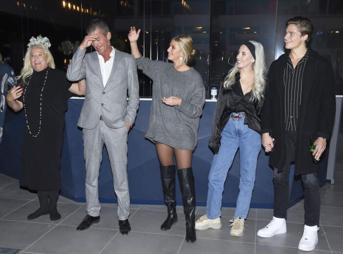 Familjen Parnevik firar ny säsong av realitysåpan Parneviks på TV3 - och Filip Lamprecht är med och håller hand med sin Peg.