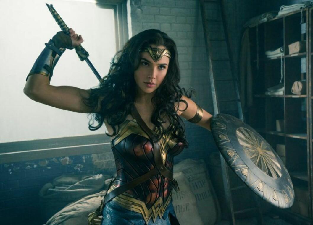 Gal Gadot spelar huvudrollen i Wonder Woman.