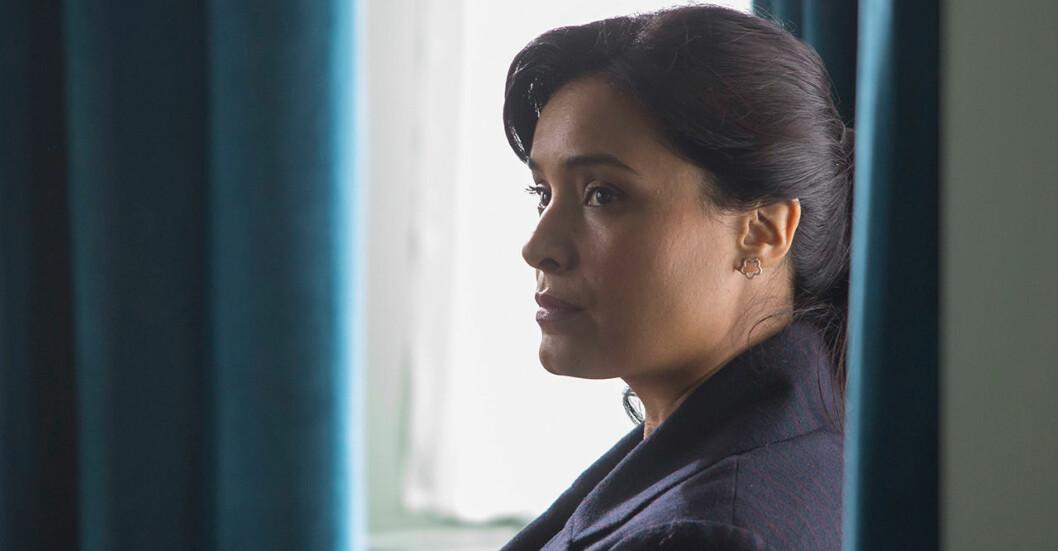Shelly Conn som den återvändande mamman Mary Sharma.
