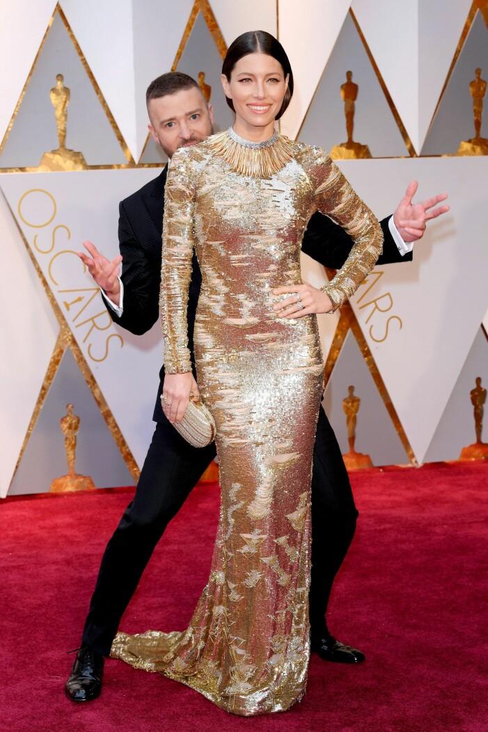 Justin Timberlake photobombar Jessica Biel
